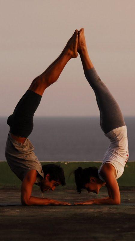 2 personas yoga 2